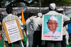 Supporters of Indian anti-corruption campaigner Anna Hazare. Photo by Tsering Topgyal.