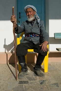 Ashor Ali Tylonov, who discovered the ancient city of Sarazm, near Panjikent, Tajikistan. Photo by Angus McDonald